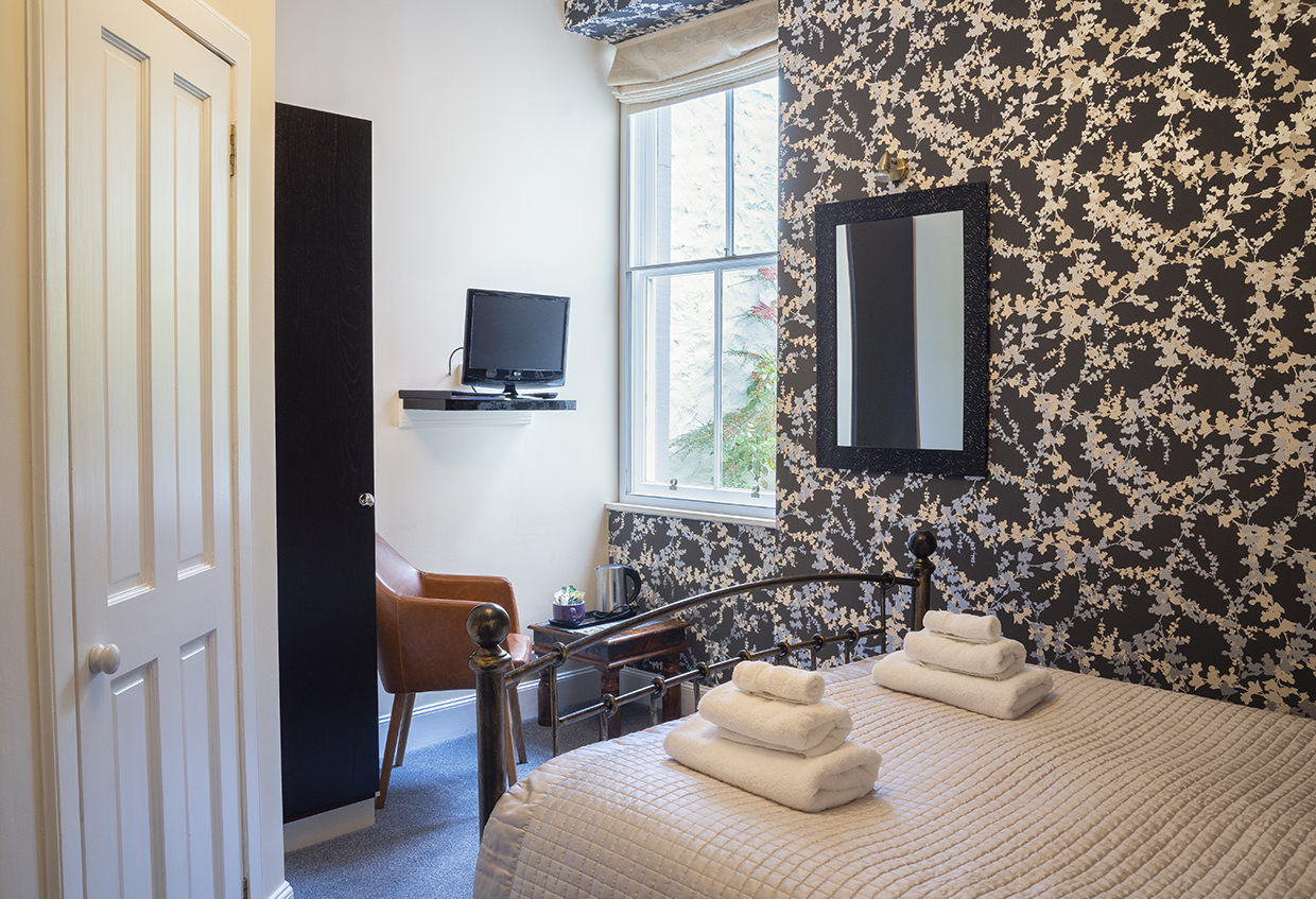 Queensberry House Thistle double room